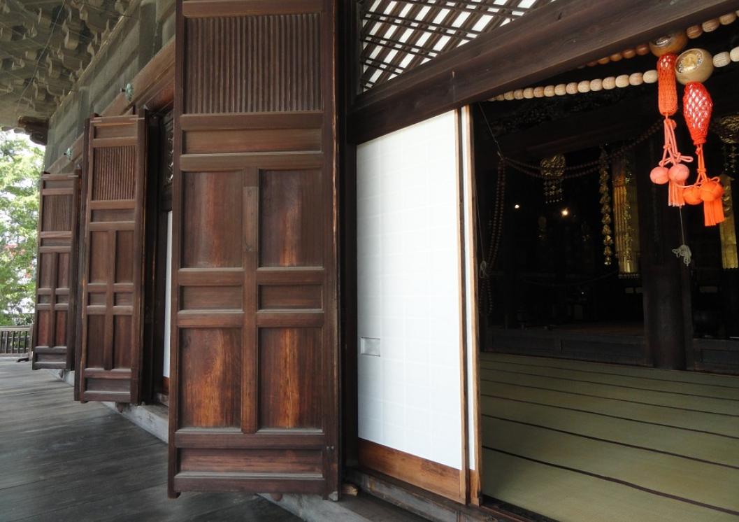dveře do chrámu