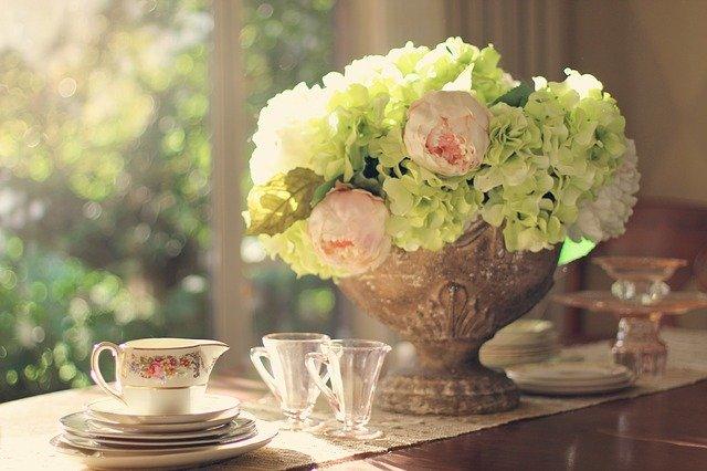 květiny na stole